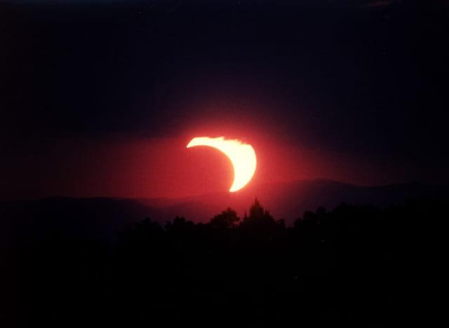 Eclipse crépusculaire