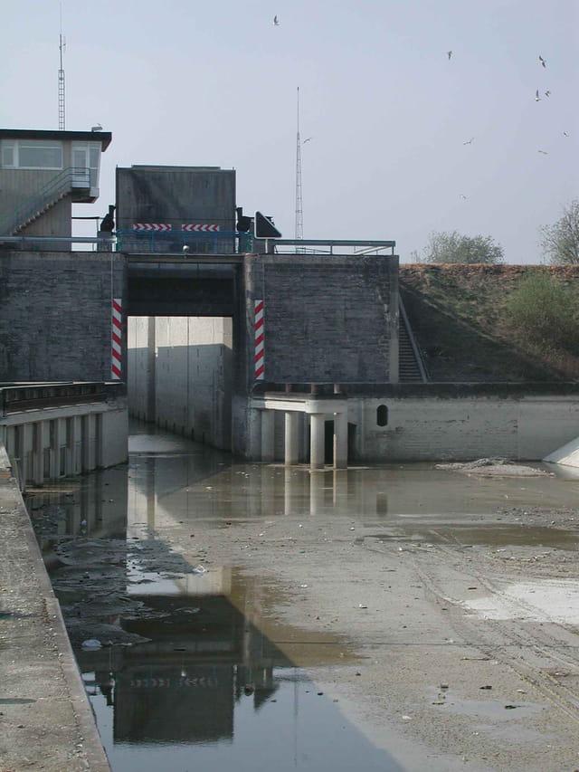 �cluse canal du nord hors d'eau