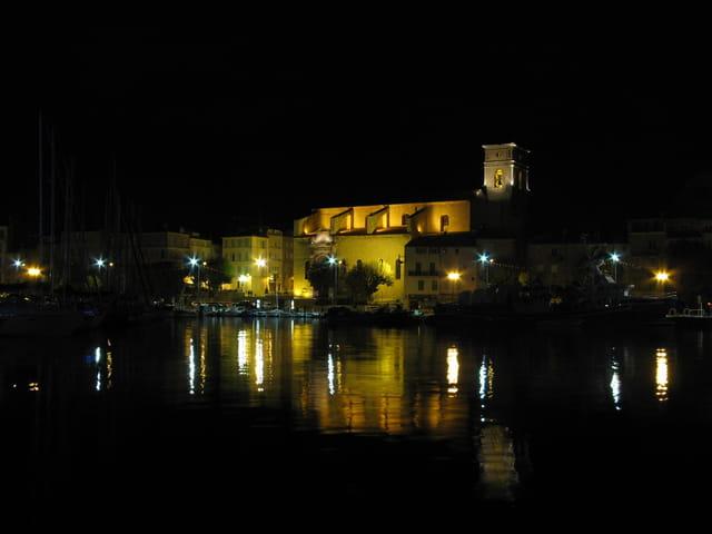 Eglise de la Ciotat la nuit