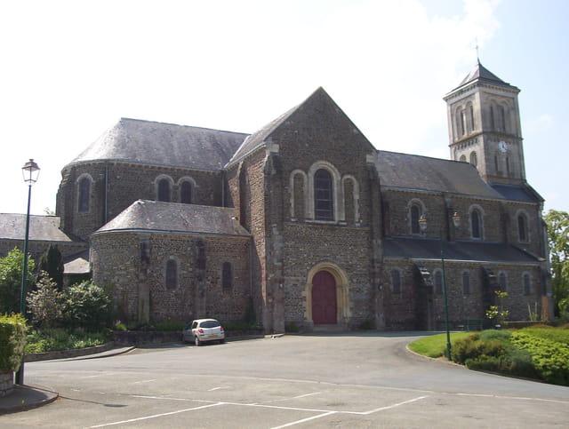 Eglise de Montsurs
