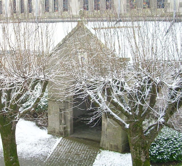 Eglise de plomelin sous la neige