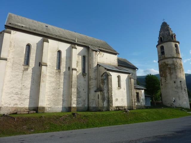 Eglise de Sélonnet et son curieux clocher