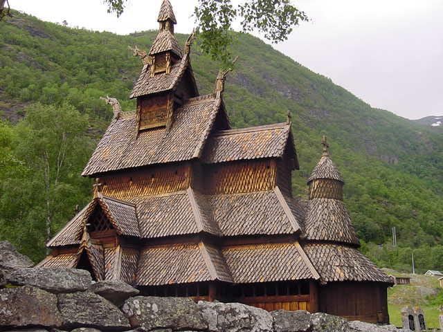 Eglise en bois début du XIIe siècle