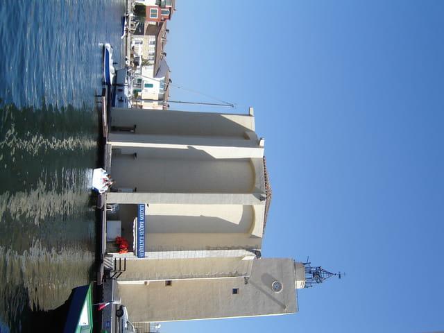 Eglise flottante ( ou presque)