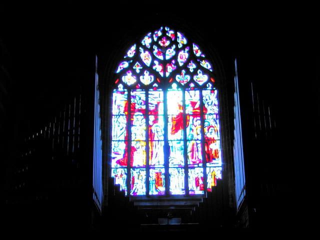 Eglise Saint Sauveur (12) Vitraux