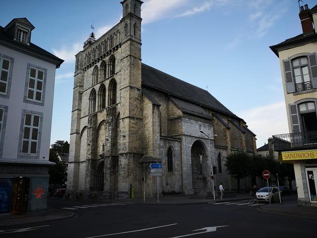 église saint Vincent de Bagnères de Bigorre