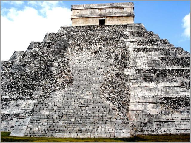 El Castillo à Chichen Itza