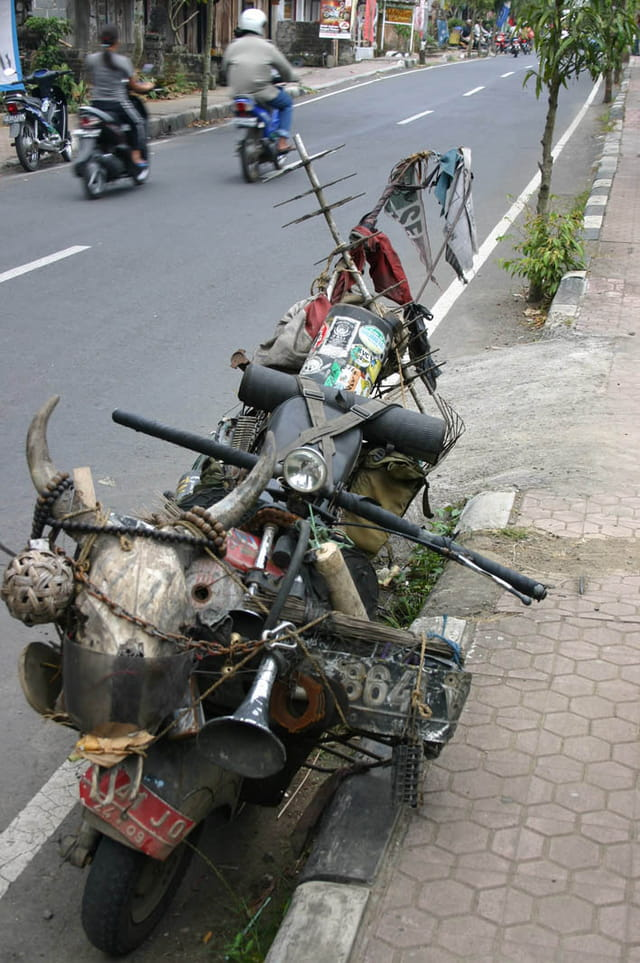 Elle est pas belle ma moto !?