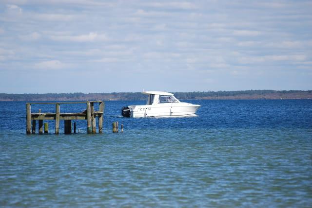 en bateau sur le lac de Biscarrosse