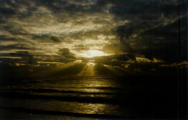 En décembre un coucher de soleil sur l\'atlantique