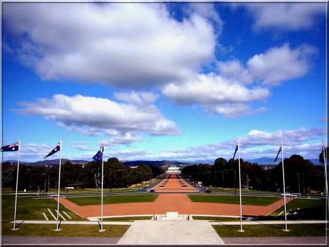 En face du parlement Canberra