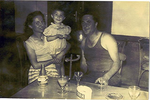 en famille au café du coin
