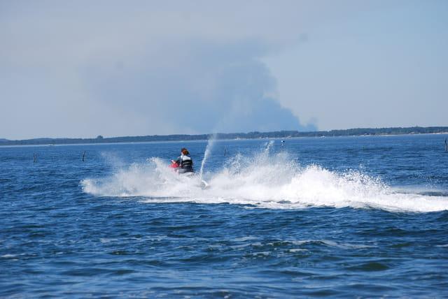 en scooter de mer sur le Bassin