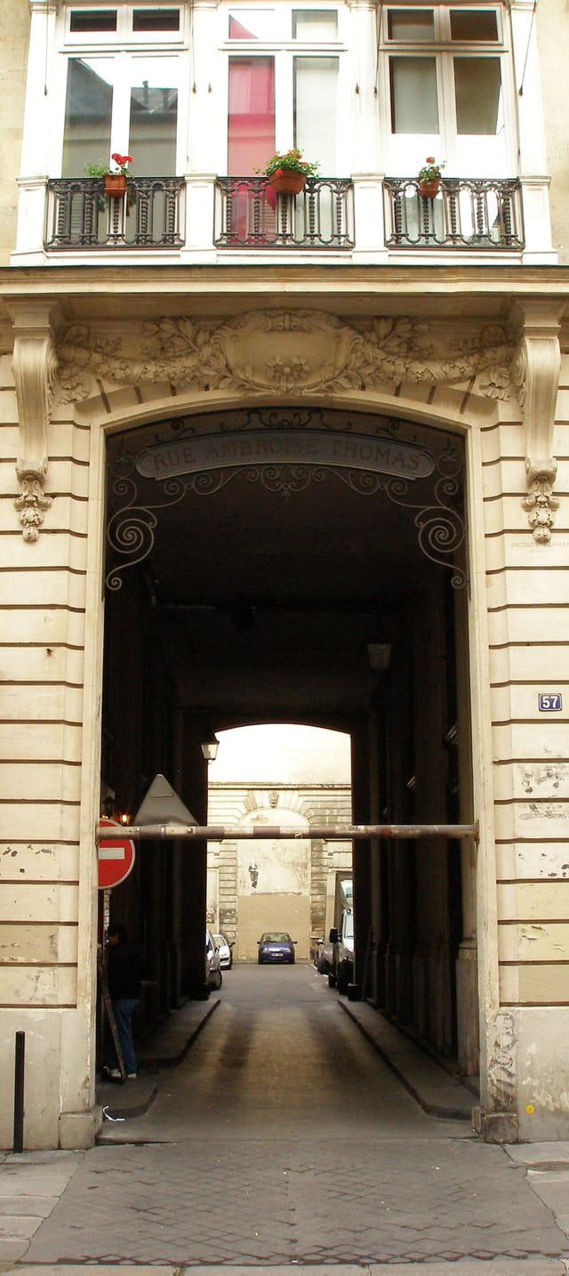 Entrée de la rue Ambroise Thomas