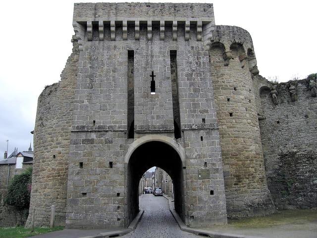 Entrée de la Vieille ville (2) Porte St.Malo