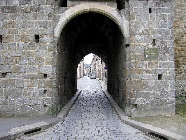 Entrée de la Vieille ville (3) Porte St.Malo