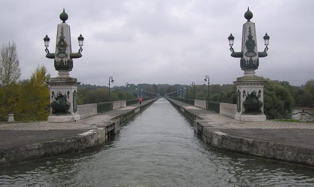 Entrée Nord du pont-canal de Briare