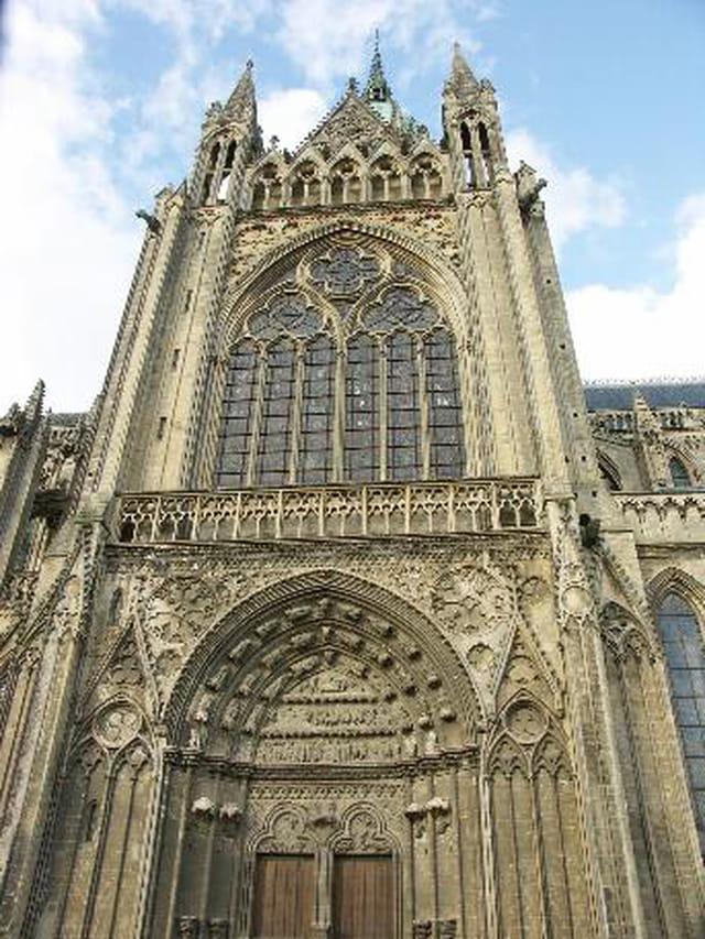 Entrée ouest de la cathédrale