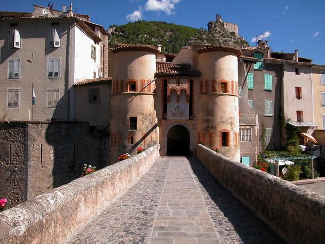 Entrez au village médiéval