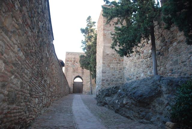 entrons dans la citadelle de La Alcazaba