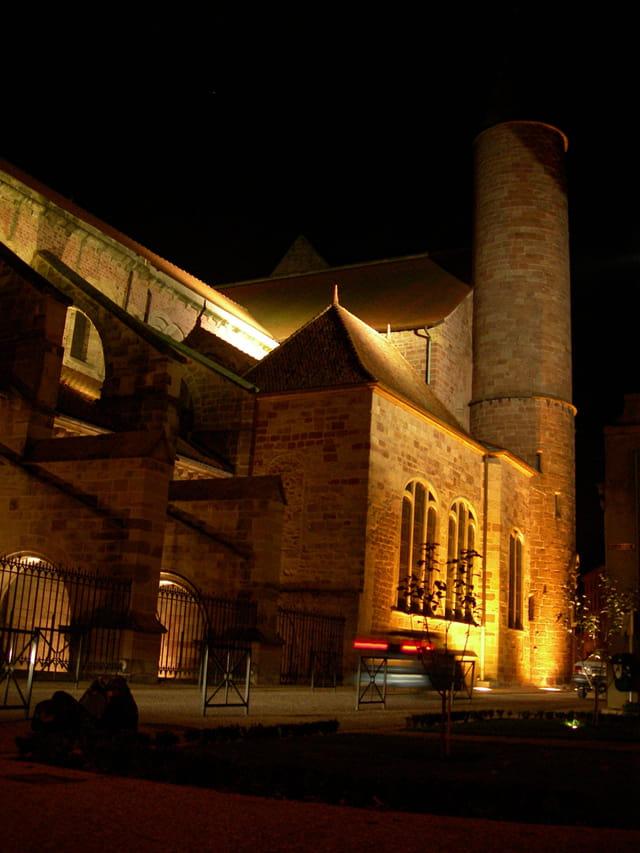 Epinal basilique de nuit
