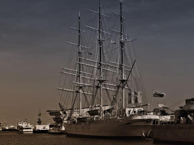 Epoque nostalgique de la marine en bois...