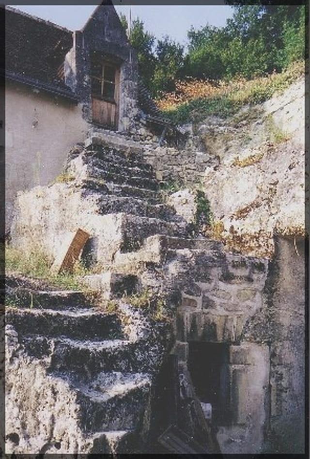 Escalier de maison troglodyte