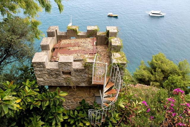 Escaliers envahis
