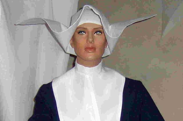 Exposition des habits monastiques