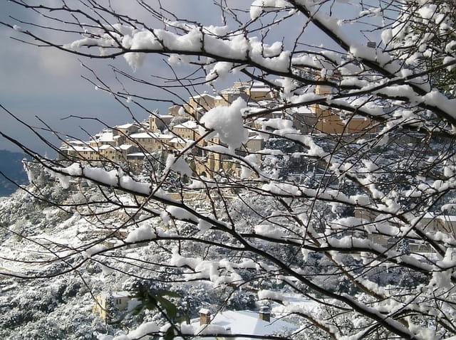 Eze sous la neige