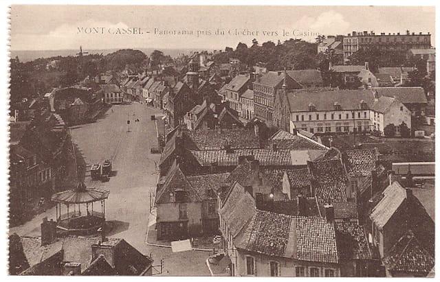 F59 MONT-CASSEL - Panorama pris du Clocher vers le Casino
