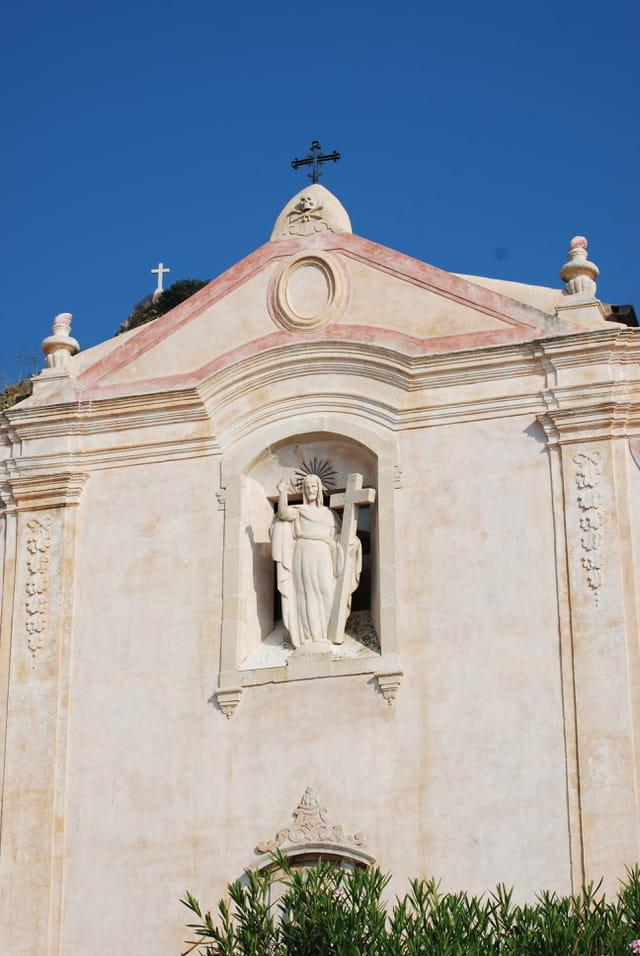 façade de l'église San Giuseppe de Taormine