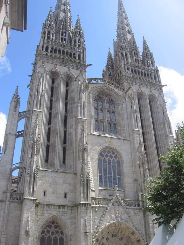 Façade de la cathédrale Saint Corentin de Quimper