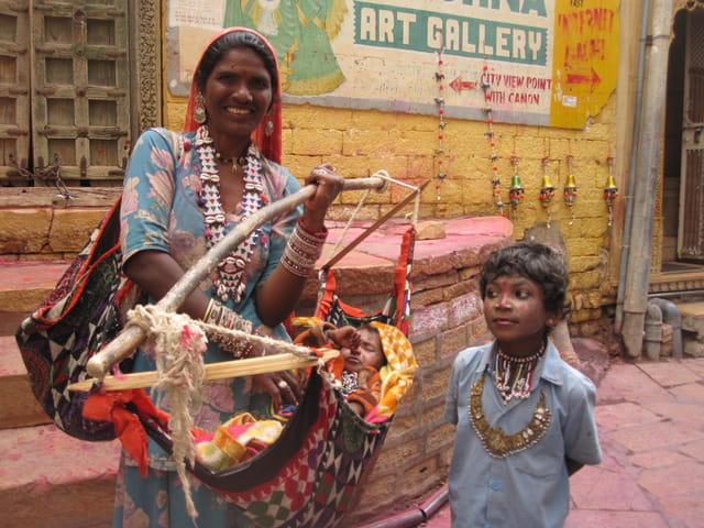 Famille indienne dans la vielle ville