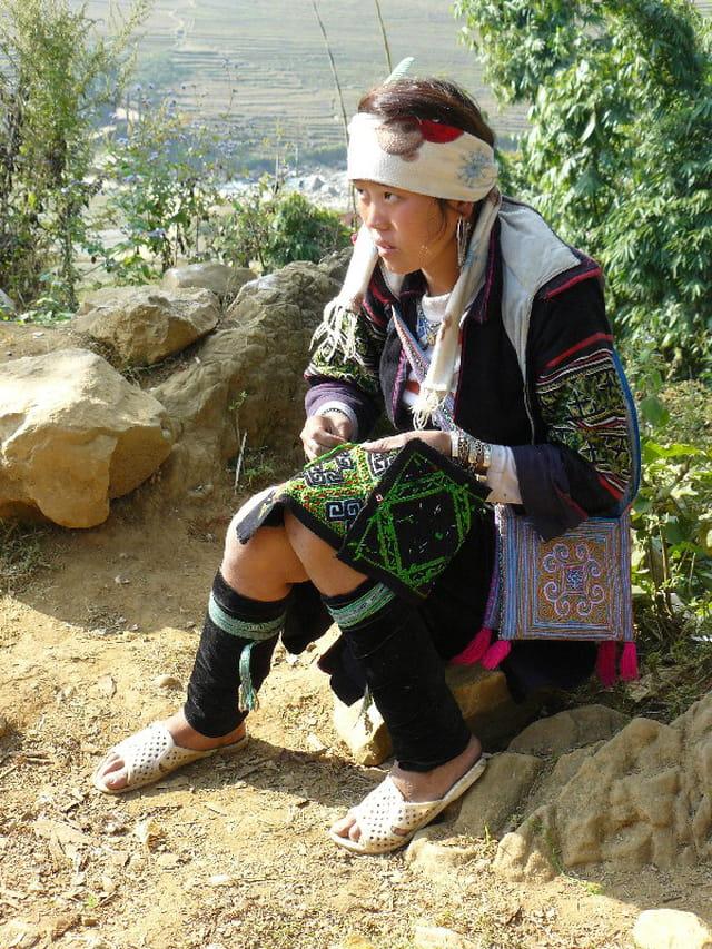 Femme Hmong noire