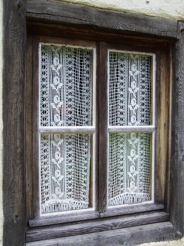 Fenêtre de la baraque du garde