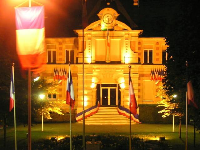 Mairie soir du 14 juillet