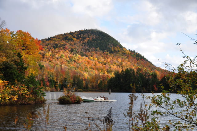 feu d'automne sur la montagne
