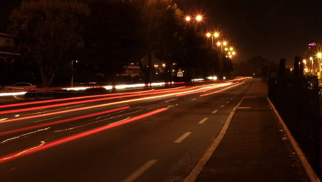 Feu rouge by night