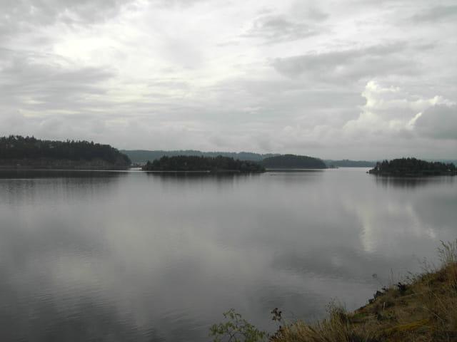 Fjord avant l'orage