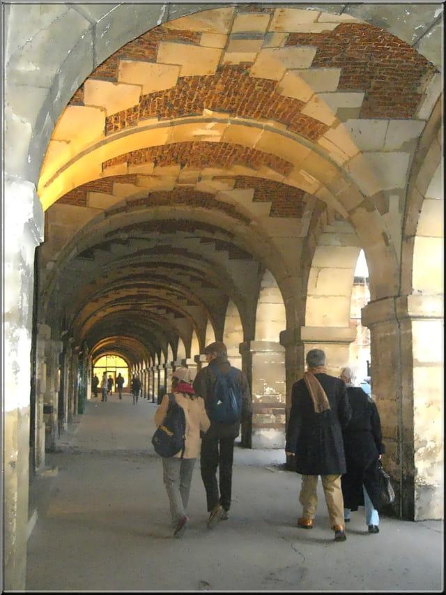 Flâner place des Vosges