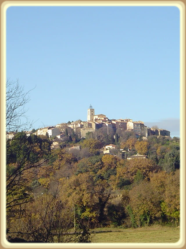 Flayosc vue du village