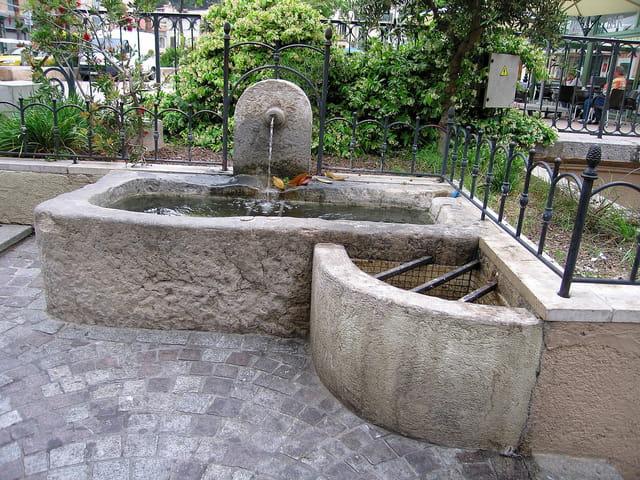Fontaine (2) abreuvoir