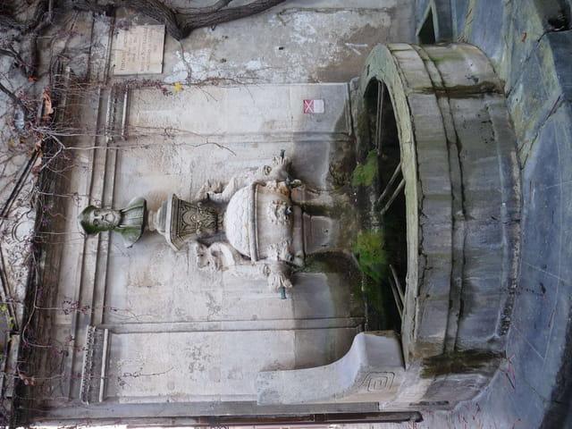 Fontaine à Saint Rémy de Provence.