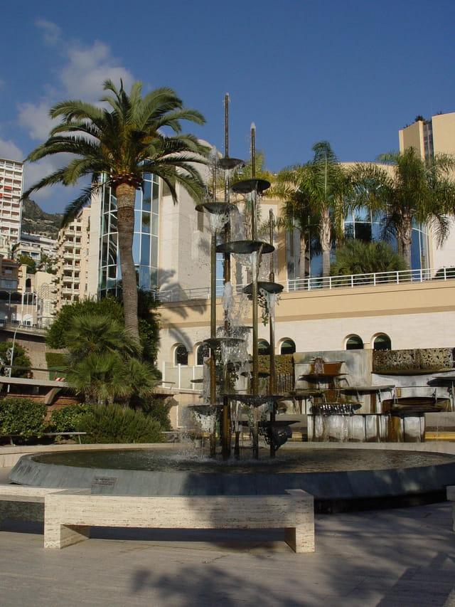 Fontaine de pierre lartigues