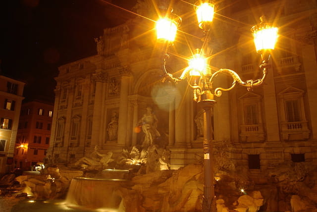 Fontaine de trevi by night -2
