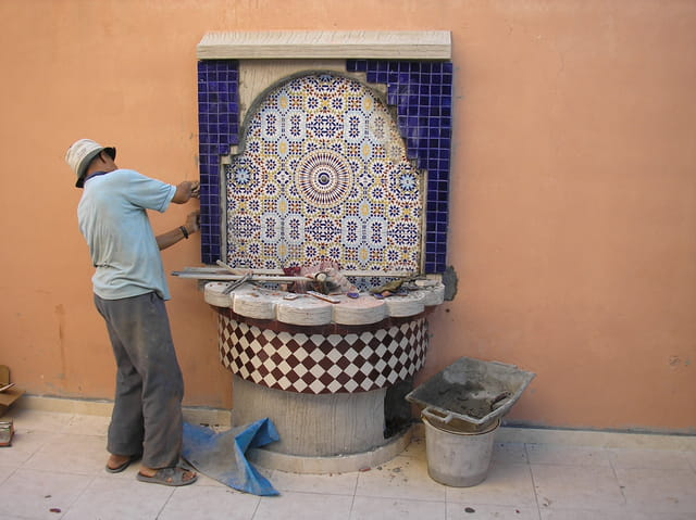 Fontaine murale en construction