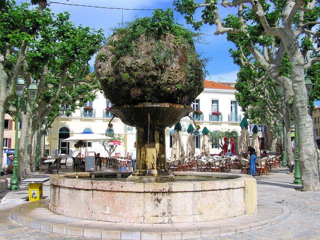 Fontaine (Place de la Mairie)