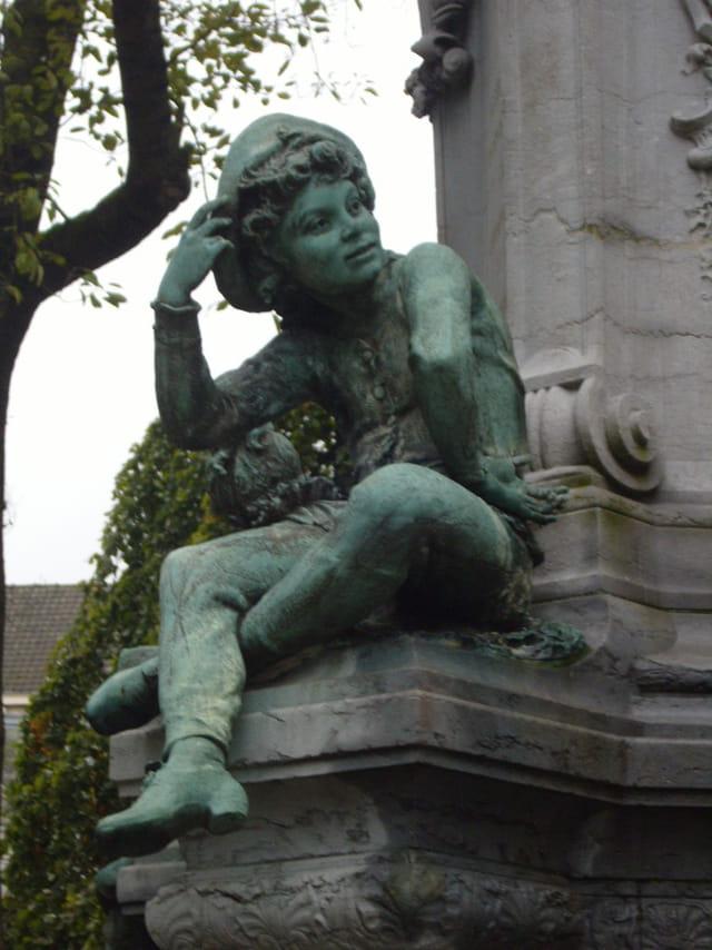 Fontaine Watteau (détail)