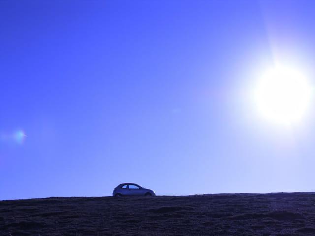 Levé de soleil sur auto